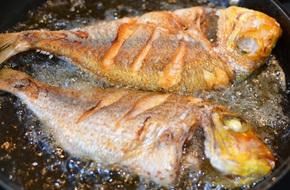 Để món cá chiên không còn là nỗi ám ảnh, các chị em phải bỏ túi ngay những mẹo khử mùi tanh này