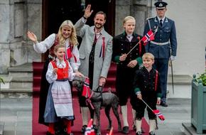 Vẻ đẹp và khí chất của 15 gia đình Hoàng gia trên khắp thế giới
