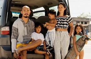 Biến biển cả thành lớp học - gia đình Philippines khiến mọi người kinh ngạc về cách dạy con của mình
