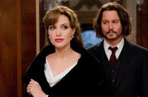Angelina Jolie không quay lại với Brad Pitt vì đang hẹn hò với Johnny Depp?