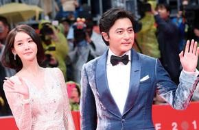 Yoona sexy với trang phục hở táo bạo bên cạnh tài tử Jang Dong Gun