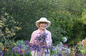'Khu vườn địa đàng' của cụ bà 83 tuổi đã dành 33 năm để thỏa mãn tình yêu với cây và hoa