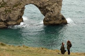 Cầu hôn bí mật ở một địa điểm đẹp như mơ, cặp đôi bỗng dưng bị cư dân mạng lùng sục điên đảo