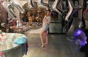 Thực hư chuyện Miley Cyrus mang bầu 2 tháng với bạn trai Liam Hemsworth