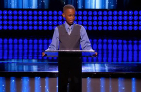 Bị trêu vì mang giày rẻ tiền, cậu bé 11 tuổi quay hẳn video bảo người lớn dạy dỗ lại con mình