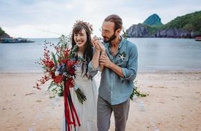 Đám cưới bí mật đẹp như mơ có 1-0-2 của cặp đôi Tây