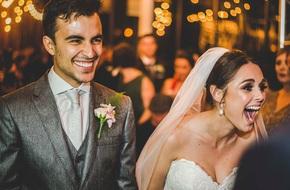 """""""Vị khách"""" lạ ngang nhiên vào ngủ giữa lễ cưới, cô dâu chú rể không đuổi đi mà còn làm điều bất ngờ"""