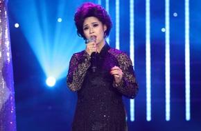 Hoàng Yến Chibi được Hoài Linh an ủi vì có giọng hát như em bé