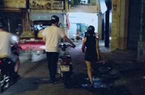Cô gái chia tay người yêu vì anh chàng không biết…đi xe máy