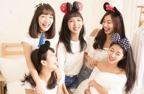 Tiếp viên hàng không Đài Loan: Chụp ảnh quảng bá nơi làm việc mà xinh xắn như nhóm nhạc sắp ra MV