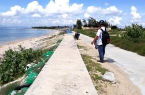 Thiếu nữ bị nhóm 'yêu râu xanh' hãm hại trên bờ kè biển