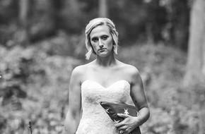 Không phải cô chơi trội khi chụp ảnh cưới không cần chú rể mà lý do thực sự cảm động lắm