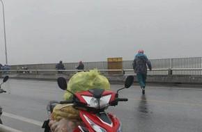 Thái Bình: Bất lực nhìn cô gái trèo qua thành cầu nhảy xuống sông tự tử
