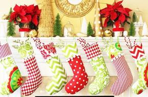 Trang trí nhà đón Noel bằng những chiếc tất vừa lạ, vừa dễ thương
