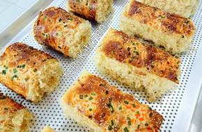 Học ngay cách làm bánh mì chà bông ngàn like của mẹ 8x siêu đảm