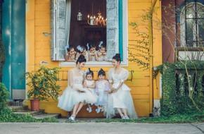 Hoa hậu Ngọc Hân đọ sắc cùng Á hậu Thanh Tú khi cùng hóa thân thành hai nàng công chúa xinh đẹp