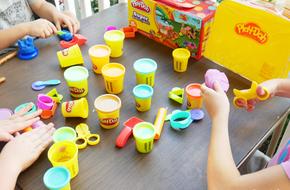 Chỉ hơn 100 nghìn đồng, mẹ đã có thể sắm cho bé món đồ chơi mà trẻ em cả thế giới mê mẩn