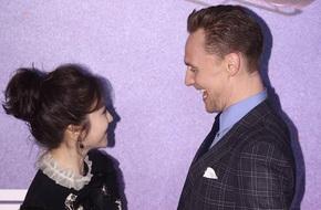 Bị chê dở thì đã sao, đệ nhất mỹ nữ Cảnh Điềm vẫn cười tít mắt vui đùa với Tom Hiddleston
