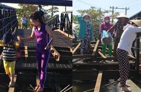 """Rùng mình chứng kiến cảnh cha mẹ cõng con """"đánh liều"""" đi qua cây cầu chênh vênh đang sửa chữa ở Sài Gòn"""