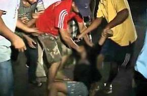 Thiếu nữ bị cưỡng hiếp tập thể trên xe buýt, tài xế và người xung quanh thờ ơ gây phẫn nộ