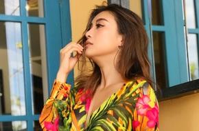 Tiêu Châu Như Quỳnh trở lại đẹp mặn mà sau ồn ào 'đạo nhái' váy hoa