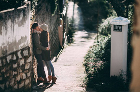 """Cuộc tình của cặp đôi mà chàng bất chấp lời cảnh báo sẽ khổ nhưng vẫn """"lao vào"""" yêu nàng"""