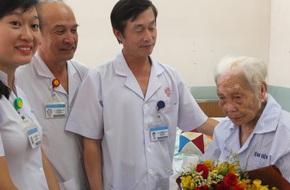 TP.HCM: Cứu sống cụ bà 104 tuổi bị nhiễm trùng đường mật