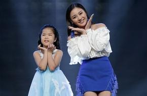 Cô bé khiếm thị 9 tuổi lại làm Bích Phương - Văn Mai Hương thán phục vì quá đáng yêu