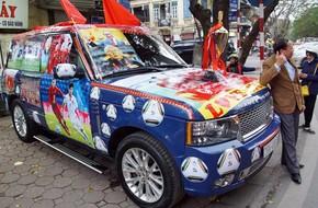 Clip 'dân chơi' chi gần 20 triệu 'trang điểm' xe hơi bạc tỷ cổ vũ U23 Việt Nam đấu chung kết