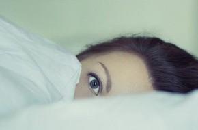 Rối loạn giấc ngủ có thể là một dấu hiệu sớm của bệnh Alzheimer