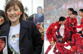 Cô gái vượt hơn 1700 km đón cầu thủ U23 Việt Nam và 4 lần bật khóc giữa lòng Hà Nội