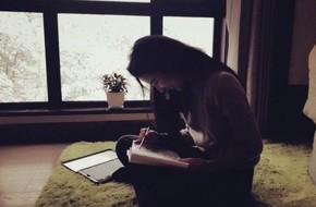 Phản ứng đầu tiên của Lưu Diệc Phi sau khi Song Seung Hun công bố chuyện chia tay