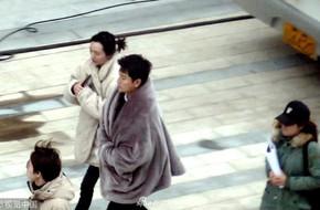 Fan xót xa trước hình ảnh Giả Nãi Lượng tất bật làm việc, quấn chăn bông run rẩy vì gió lạnh