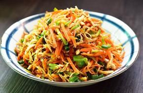 Tận dụng gà cúng giao thừa làm salad gà trộn - món ngon chống ngán ngày Tết