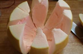 Tết này hãy tận dụng cả vỏ bưởi lẫn vỏ quả thơm, nhà bạn sẽ thơm nức mũi suốt những ngày Tết