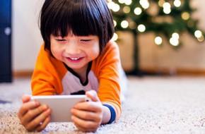 Làm ngay những việc này trước khi đưa cho con bất kì thiết bị điện tử nào để không hại con