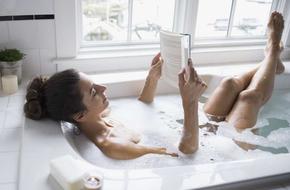 Thật tuyệt vời, hóa ra việc ngâm bồn tắm nóng thư giãn cũng giúp cho tiêu hao năng lượng bằng 30 phút đi bộ