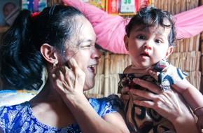 Tết mới của gia đình người mẹ điên ở Trà Vinh: Ấm áp và tràn ngập tiếng cười nhờ những tấm lòng