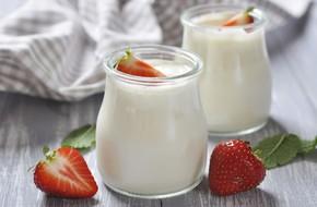 Hướng dẫn độ tuổi phù hợp cho bé sử dụng sữa tươi, sữa chua và phô mai