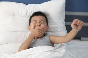 Những cách đánh thức trẻ không gây sát thương mà bà mẹ nào cũng nên biết để thôi 'đánh vật' mỗi buổi sáng