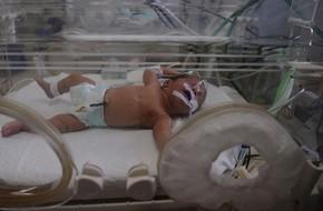 Chấn động: Hàng loạt trẻ sơ sinh bị gãy xương, nứt sọ nghi do bị y tá đánh đập