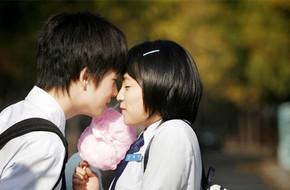 Từ vụ học sinh Nghệ An tự sát: Cha mẹ có nên cấm trẻ yêu trong thời học sinh?
