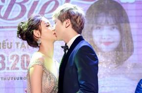 Trương Mỹ Nhân gây sốc khi hôn môi bạn diễn trong họp báo phim mới