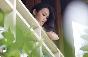 Thoát vai cô gái nghiện trong 'Tháng năm rực rỡ', con gái Kiều Trinh bỗng mộng mơ, xinh đẹp hút hồn