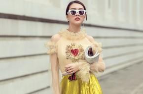 Diện lại váy Chi Pu từng mặc, Tường Linh khoe vẻ khác lạ trên đường phố