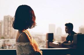 Ngay từ đêm tân hôn, chồng đã bỏ tôi lại một mình để đi với