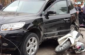 Vụ 'xe điên' ở cổng BV Bạch Mai: Cô gái 30 tuổi bị đâm tử vong khi qua đường mua cơm cho mẹ