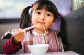 """""""Ai cũng được ăn món mình thích"""" – bí quyết thần kì giúp con hết kén ăn của mẹ Nhật"""