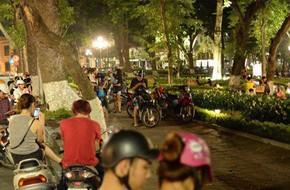 Nữ sinh bỏ đi cùng nam thanh niên lạ mặt đã đoàn tụ cùng gia đình sau khi được phát hiện tại bờ hồ Hoàn Kiếm