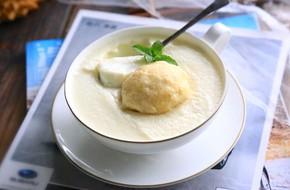 Ngất ngây với món sữa sầu riêng thơm lừng mát lịm